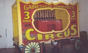 3201648-Gainesville_Circus_Wagon_at_the_Santa_Fe_Depot_Gainesville