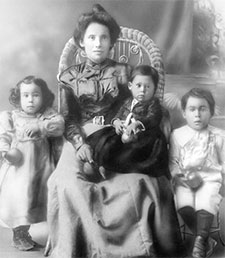 "Adelaida ""Mama"" Cuellar in early 1890s with the first of her 12 children."