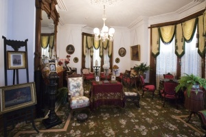 Parlor, Fulton Mansion